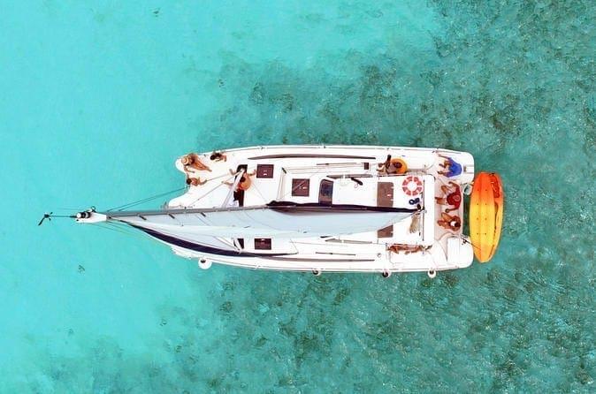 cozumel-private-luxury-catamaran-in-cozumel